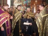 У Велику П'ятницю віруючі йдуть до Плащаниці, щоби вклонитися Спасителю.