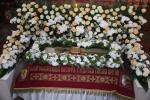 Вечірня із виносом та Утрення з чином погребіння Христової Плащаниці.