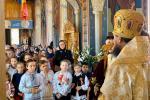 На свято Покрови Богородиці митрополит Никодим очолив Божественну літургію в селищі Пепеуць (Румунія)!